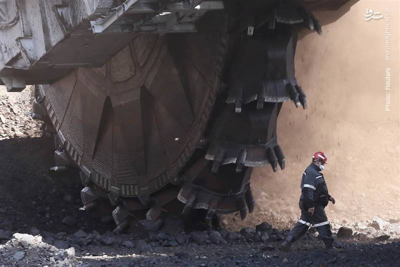 دستگاه عظیمالجثه ساخت شوروی سابق که توان کاوش روزانه 5250 تُن زغالسنگ را دارد، هنوز در معدن روزمینی شاراپوای روسیه کار میکند