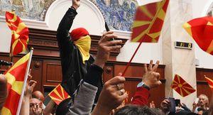فتنه آمریکا در مقدونیه، اروپا را به خطر خواهد انداخت + تصاویر و فیلم