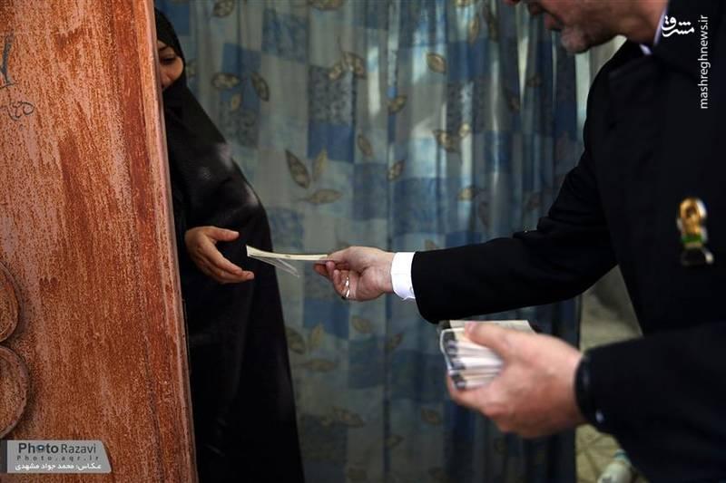 توزیع کارت دعوت ضیافت افطار متبرک حضرت رضا(ع)