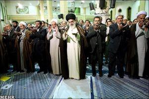 برگزاری نماز جماعت ظهر و عصر به امامت رهبر انقلاب