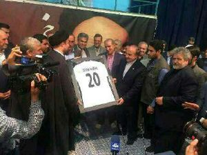 دیدار جامعه ورزش با یادگار امام