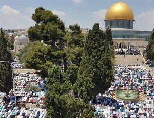 حضور ۲۵۰ هزار نمازگزار در مسجد الاقصی+عکس