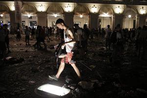 عکس/ زخمیشدن 600 نفر بخاطر شایعه بمبگذاری!