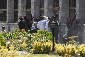 درخواست نمایندگان برای مسلح شدن بهمنظور مقابله با تروریستها