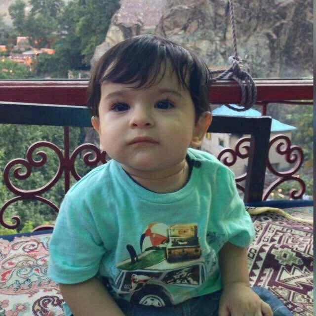 عکس/ فرزند خردسال شهید حمله به مجلس