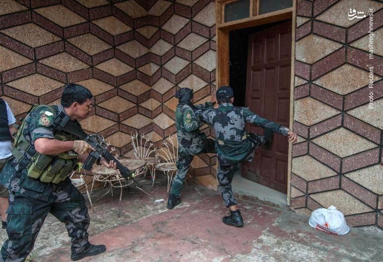 جستجوی خانه به خانه ارتش فیلیپین برای یافتن اعضای گروهک مسلح وابسته به داعش در مراوی