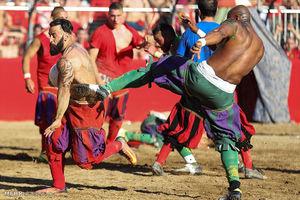 عکس/فوتبال خونین در فلورانس ایتالیا