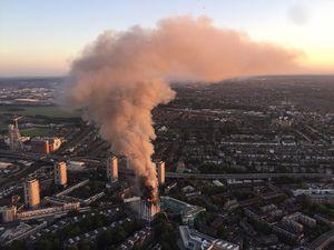 عکس هوایی از آتشسوزی برج مسکونی در لندن