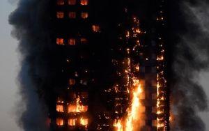 آتش سوزی در یک برج مسکونی در شرق لندن