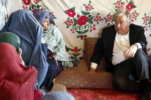 عکس/ حضور دبیر کل سازمان ملل در اردوگاه مهاجرین کابل