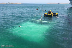 عکس/ غرق شدن کشتی دنا در اسکله کیش