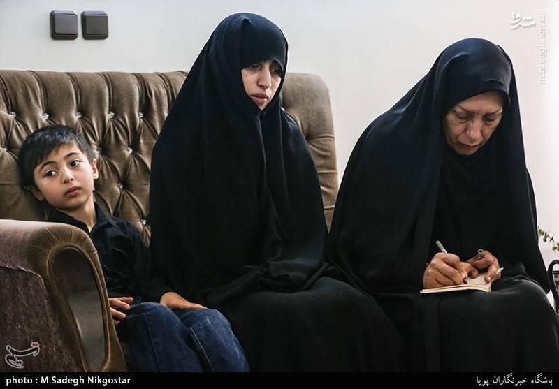 دیدار مسئولان شهرداری با خانواده شهید ترور حجت الاسلام تقوی