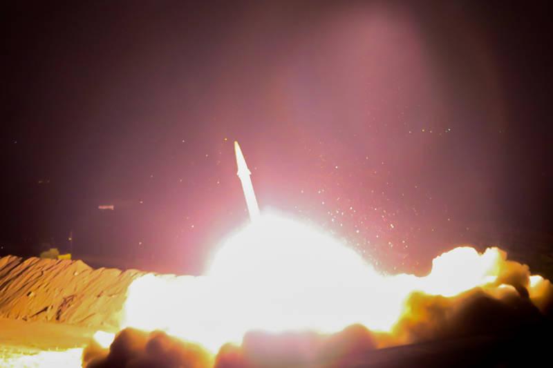 شلیک موشکهای سپاه به مقر تروریستها در دیرالزور سوریه  - کراپشده