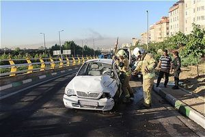 واژگونی پراید در بزرگراه غرب تهران+عکس