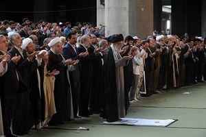 نماز عید فطر به امامت رهبر معظم انقلاب اقامه شد+تصاویر