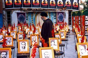 تکیه اصلی امام خمینی(ره) به مردم بود نه شخصیتها