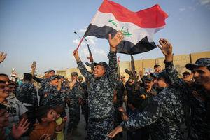 شادمانی مردم و سربازان عراقی در پی پیروزی در جبهه موصل