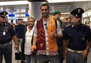 ورود گونالونس به ایتالیا برای عقد قرارداد با رم