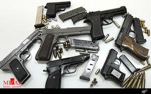 کشف بیش از ۸۰ قبضه سلاح از یک منزل مسکونی