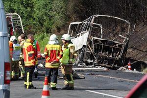 عکس/ ۱۷ کشته در حادثه تصادف یک اتوبوس در آلمان
