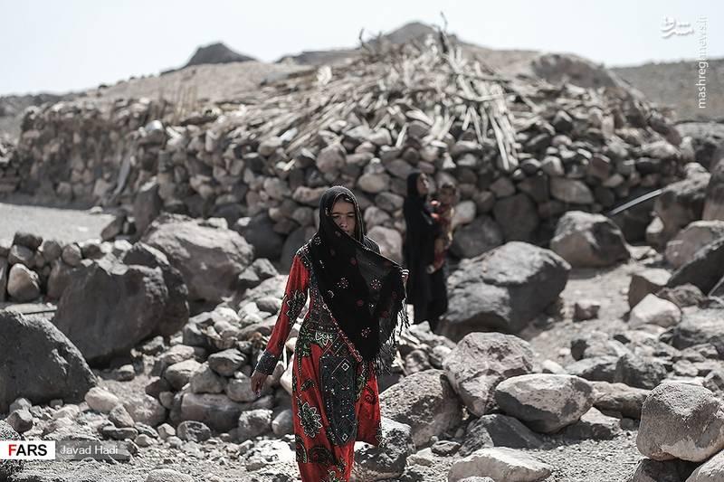 تاریخ ایران را که ورق بزنیم در هیج کجای آن ایرانی بدون پوشش دیده نشده است، در این میان حجاب در جنوب کرمان و مردم بلوچ ریشه در فرهنگ و سنن دیرپای منطقه دارد.