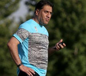 پیروانی: استقلال و تراکتور بازیکنانشان را ندادند