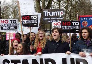 تجمع و درگیری مدافعان حقوق پناهجویان و مخالفان ورود پناهندگان در مرز کانادا با آمریکا