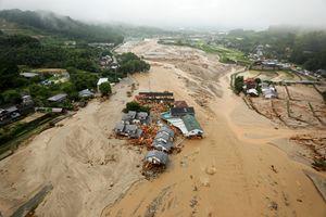 عکس/ خسارت های عظیم سیل در ژاپن
