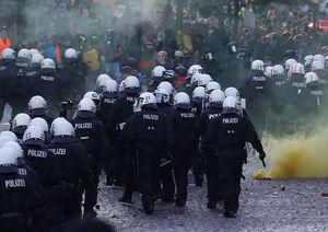 فیلم/ درگیری پلیس و معترضان به نشست گروه 20 در آلمان