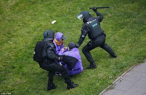 فیلم/نزاع خیابانی پلیس هامبورگ با معترضان