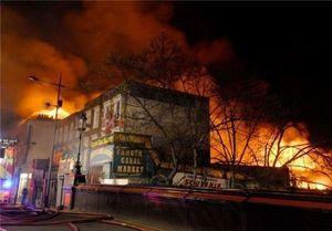 آتش سوزی در بازاری در لندن