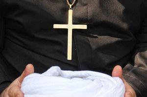 «اکسیدان» سمبل ارتجاع برای سخره گرفتن آیین مسیحی!