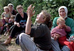 نقش سازمان ملل در قتل عام ۸هزار مسلمان بوسنی چه بود؟+فیلم