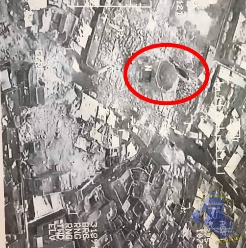 عکس-هوایی-از-ویرانه-های-برجای-مانده-پس-از-تخریب-مناره-الحدباء-مسجد-نوری-موصل-به-دست-داعش-2.jpg