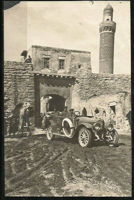 موصل-طی-جنگ-جهانی-اول-..-تصویر-ژنرال-سلزمن-آلمانی-در-منطقه-باب-البیض-مرکز-شهر-موصل.jpg