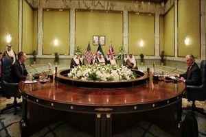 کویت، آمریکا و انگلیس حل بحران قطر از طریق گفتگو را خواستار شدند