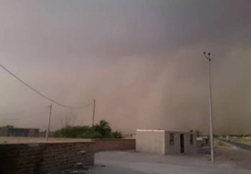 فیلم/ طوفان گرد و خاک در سیستان و بلوچستان