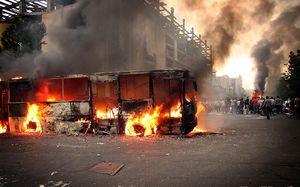 آتش اتوبوس فتنه 88