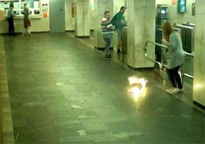 فیلم/ آتش گرفتن سیگار الکترونیکی یک خانم بلاروسی