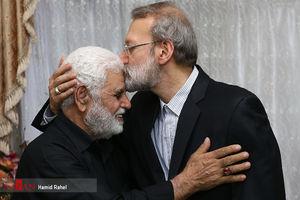 عکس/ دیدار رئیس مجلس با خانواده شهید حادثه تروریستی