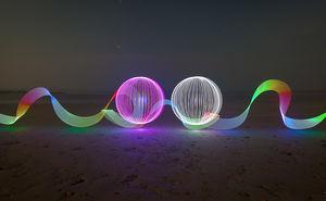 خلق نقاشی با نور