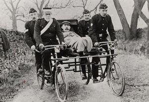 عکس/ آمبولانس دوچرخهای
