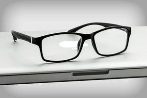 عینک ویژه برای استفاده طولانی از رایانه