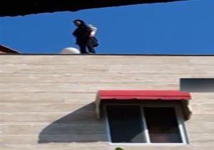 فیلم/ لحظه سقوط دختر مازندرانی از بالای ساختمان