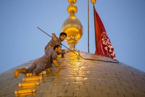 عکس/ مراسم شستشوی گنبد حرم حضرت ابوالفضل(ع)