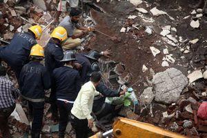 ۱۷ کشته براثر ریزش ساختمان ۴ طبقه