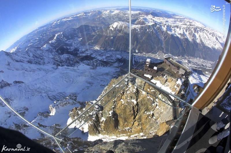 ۱۴- سکویی بر فراز کوه های آلپ   فرانسه  این سکو در ارتفاع ۱۰۳۶.۳۲ متری از سطح دریا و بر روی یخچال های طبیعی قرار دارد.