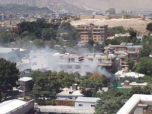 عکس/ حمله مهاجمان مسلح به سفارت عراق در کابل