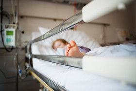«پریا» پنج ساله در اثر کودک آزاری فوت کرد