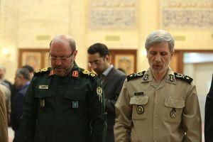 عکس/ وزیر دفاع در مراسم افتتاحیه مسجد بقیه الله